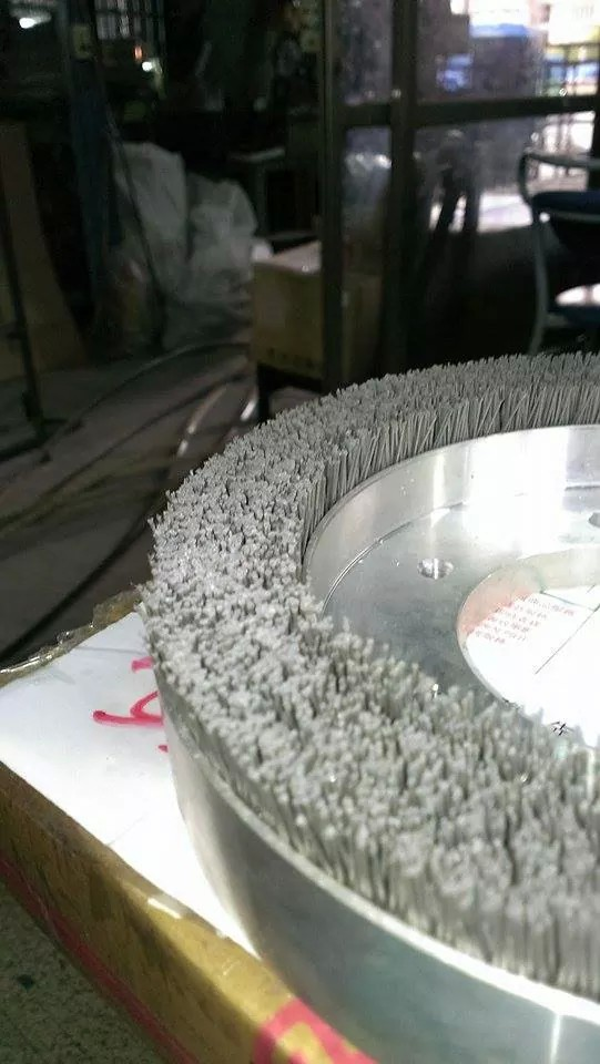 鑽石毛刷,鑽石尼龍刷,宏崴實業,特殊應用,特殊砂輪,藍寶石,太陽能,晶圓,硬質合金,研磨拋光,鑽石砂輪